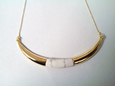 Howlite Arc Shaped Necklace