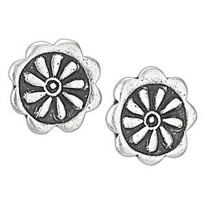 Scalloped Flower Stud Earrings