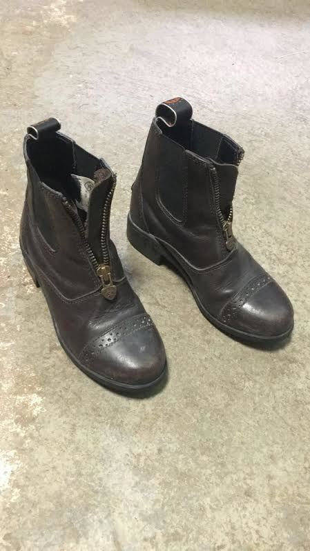 Consignment Ariat Paddock Boots
