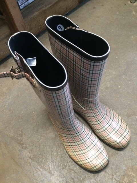 Consignment Rubber Boots Plaid 9