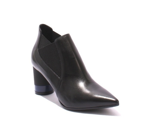 Black Leather / Elastic Pointy Toe / Ankle Boots