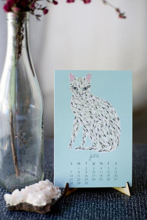 Cat 2017 desk calendar