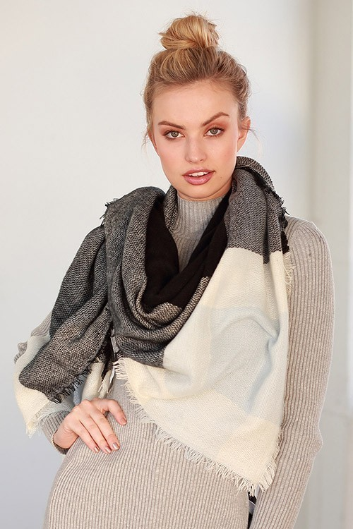 Marjorie blanket scarf