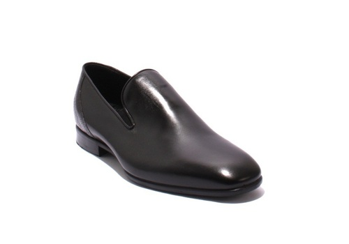 Black Leather / Stamped / Classic Shoes