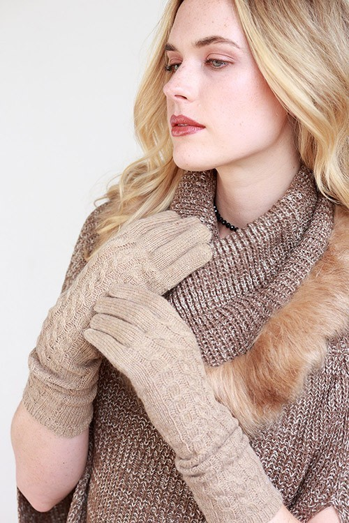 Cable knit long gloves