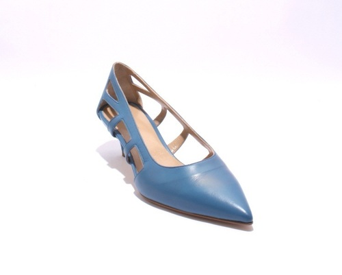 Blue / Side Cutouts / Pointy-Toe Leather Pumps