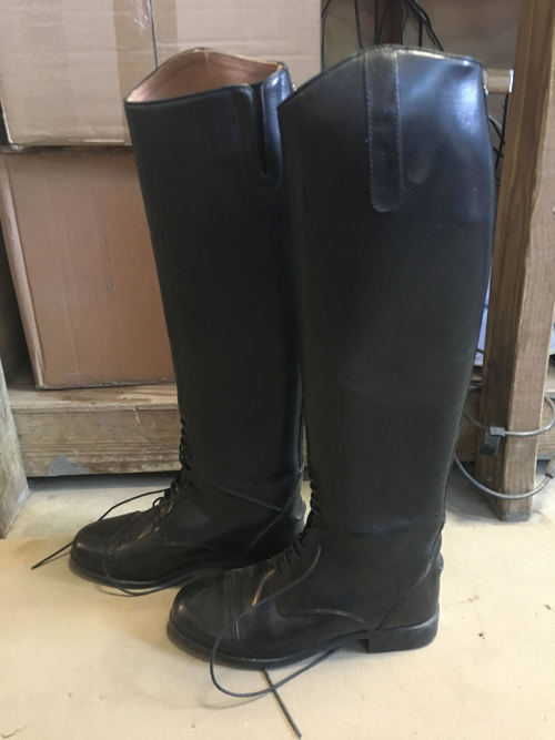 COnsignment Pull On Field Boot