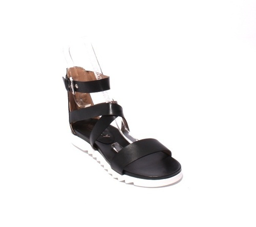Black Leather Criss-Cross Buckle Gladiators Sandals