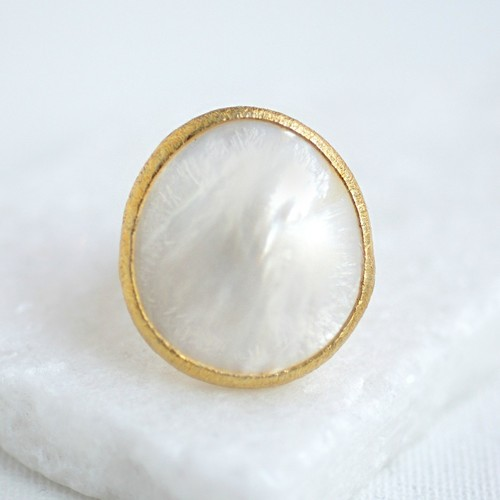Mother of Pearl Large Round Ring