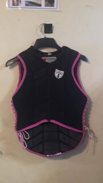 Consignment Tipperary Cross Country Vest in Black & Pink