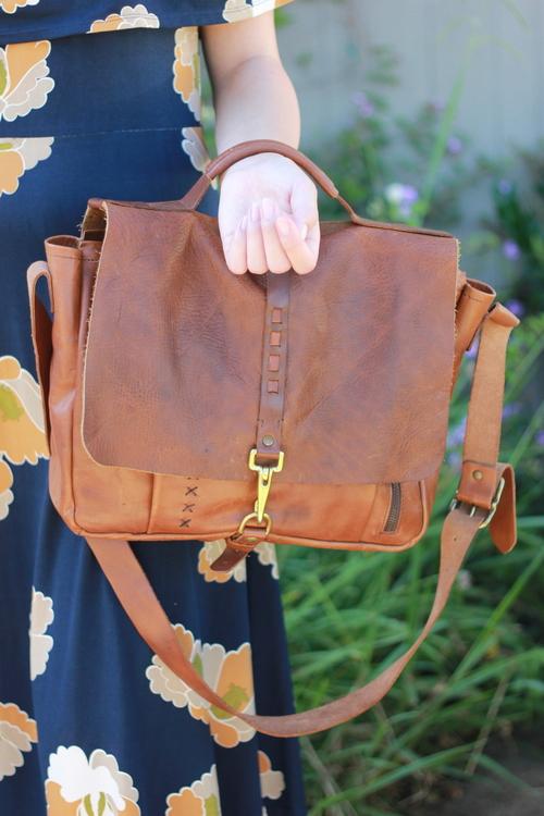 Impressa Leather Messenger