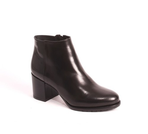 Black Leather / Shearling Lining Ankle Boots