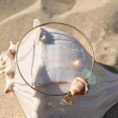 Glass Cone Seahorse Bangle