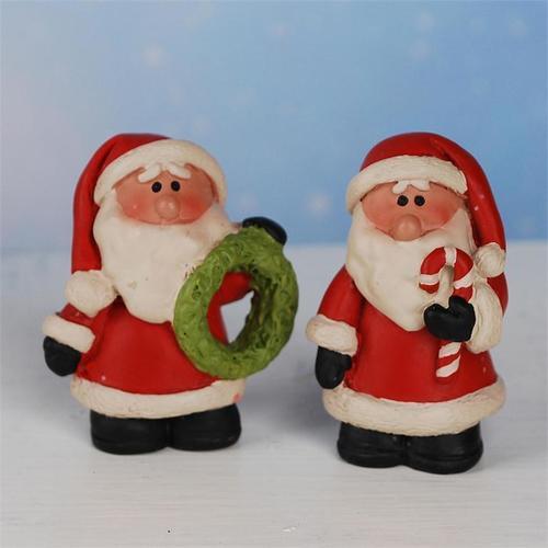 Santa with Candy Cane/Wreath