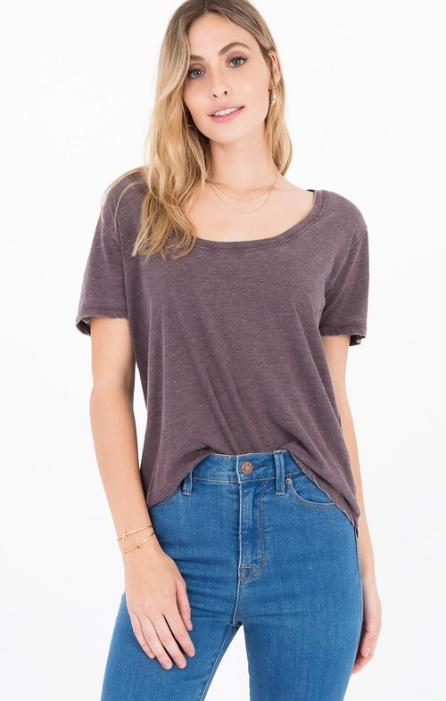 Scoop Neck Tee Raisin