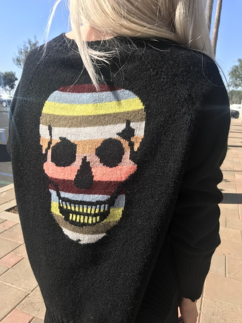 Marizia sweater black/multi stripe skull