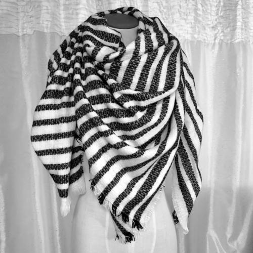 B/W Stripe Blanket Scarf