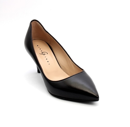 Black Leather Pointy Toe Pumps