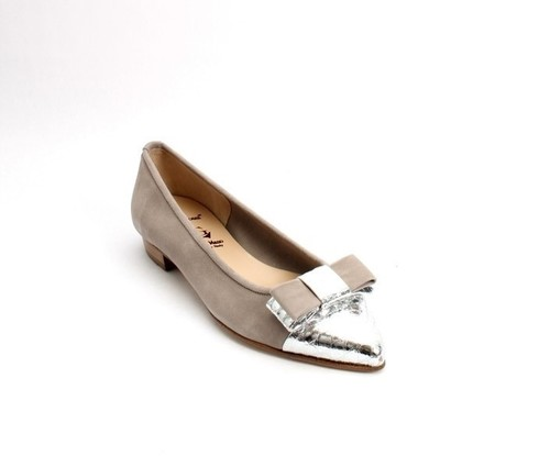 Gray / Silver Suede Leather Pointy Toe Flats Shoes