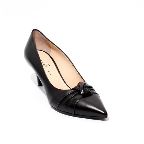 Black Leather Pointy Toe Heel Pumps