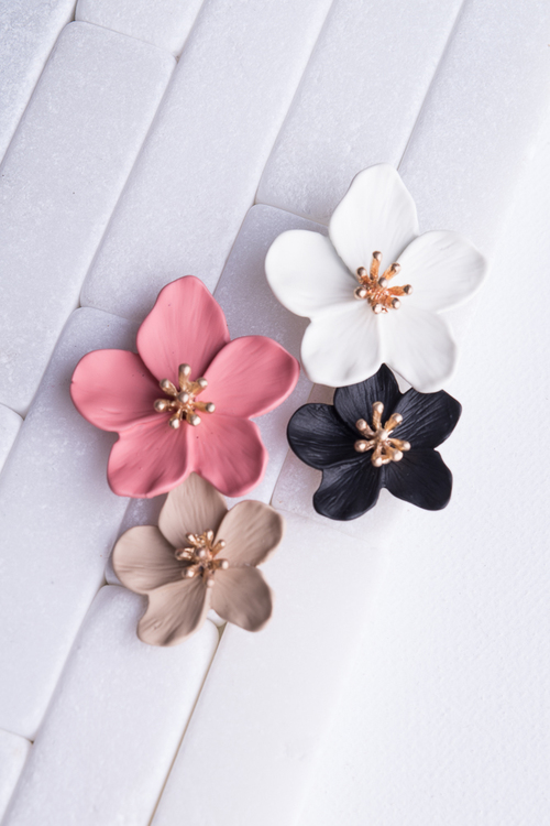 Double Painted Flower Post Dangle