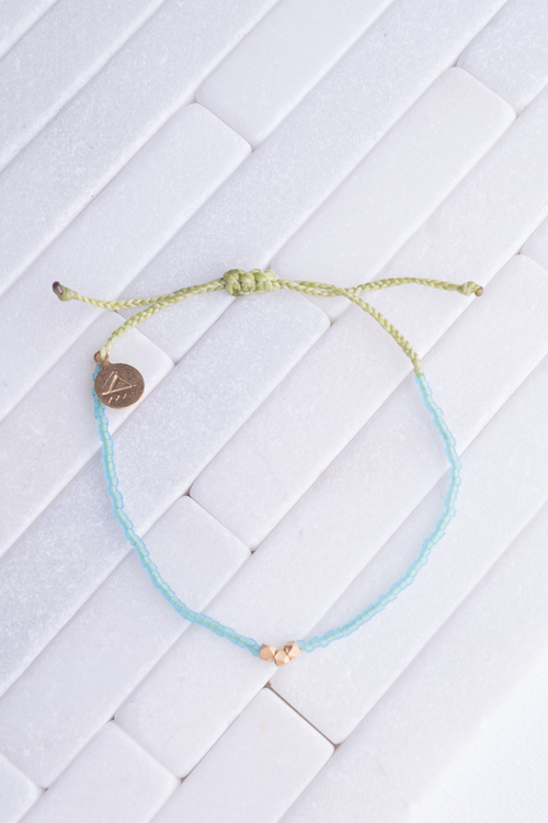 Seaglass Aqua & Green Gold Bead Bracelet