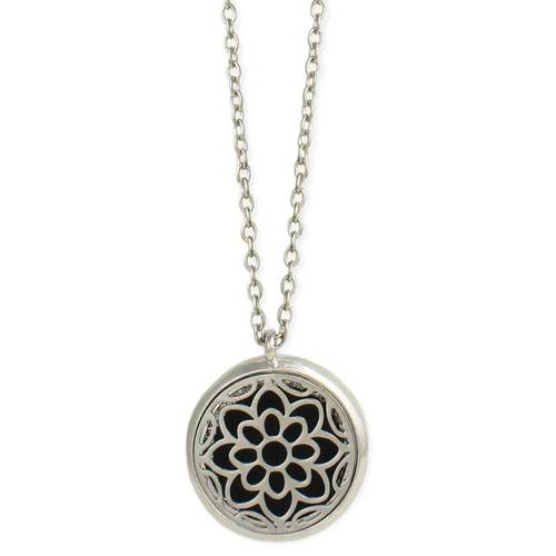 Cutout Flowers Diffuser Necklace