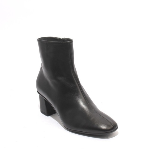Black Leather / Zip-Up Ankle Heel Boots