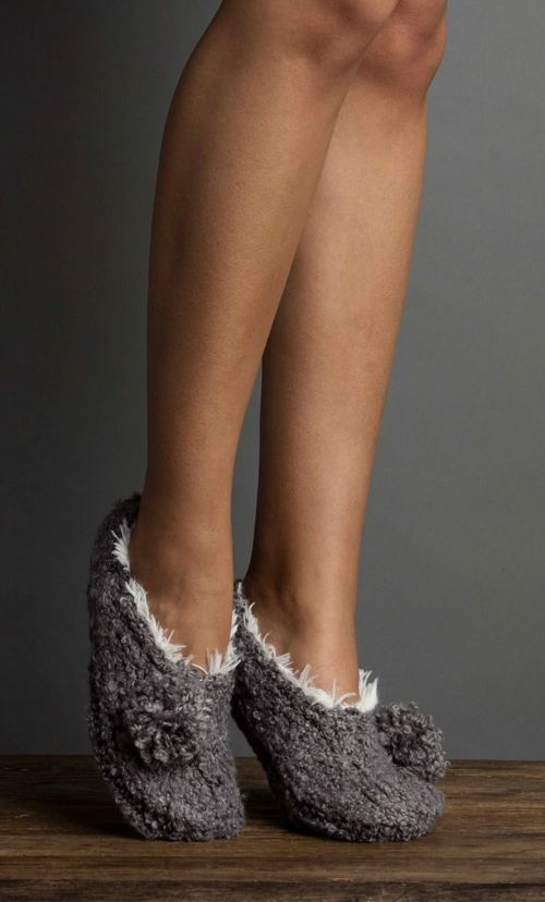 Boucle Pom Bootie Flannel