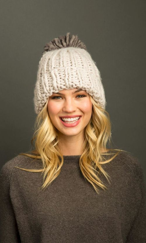 Seattle Puff Pom Hat Lilac Ash