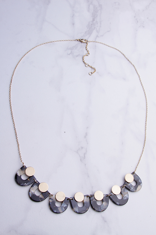 Tortoise U Bib Necklace