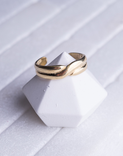 Twisted Band Toe Ring 14K Plated