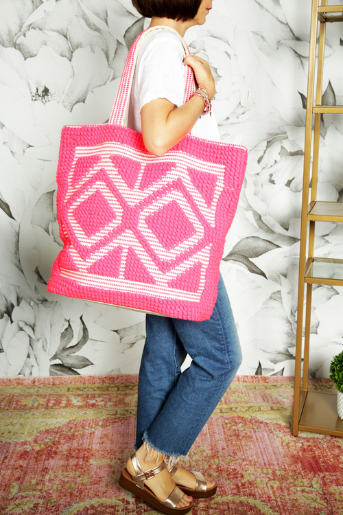 Double Diamond Carpet Tote Neon Pink
