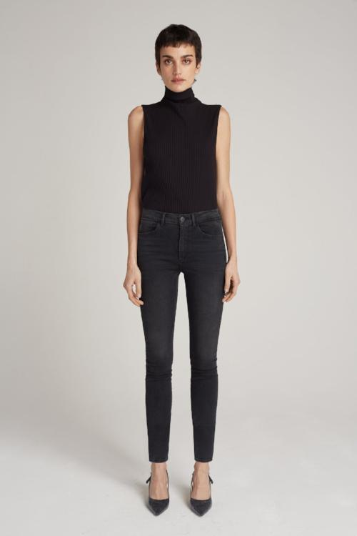Channel Seam Skinny High Rise