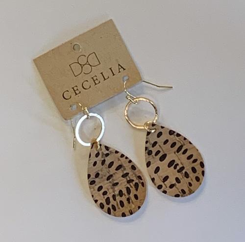 Cecelia Small Teardrop Gold Ring Sesame Cork