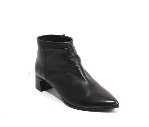 Black Leather Zipper Pointy Toe Ankle Boots