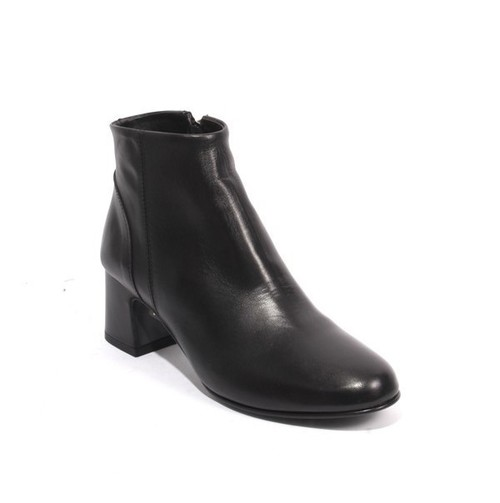 Black Leather / Zip-Up / Ankle Heel Boots