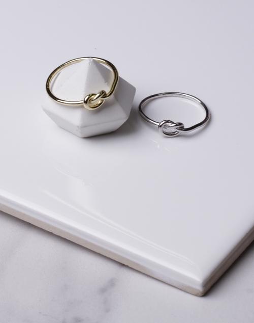 Medium Love Knot Ring
