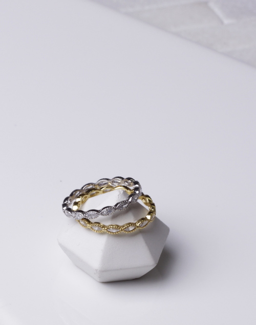 Diamond Shape Infinity Band Ring