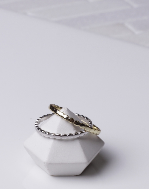 Mini Oval Band Ring