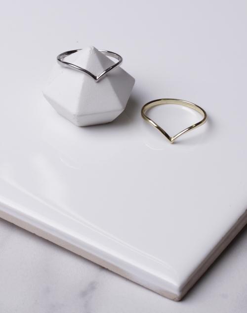 Chev Point Ring