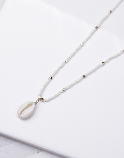 Natural Beaded Cowry Short Necklace