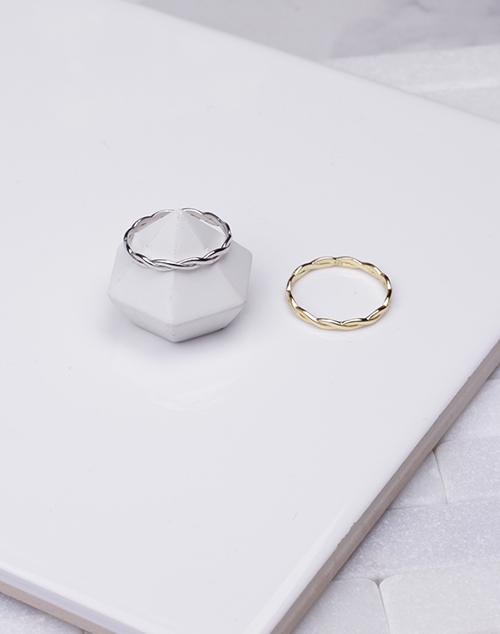 Thin Braided Ring