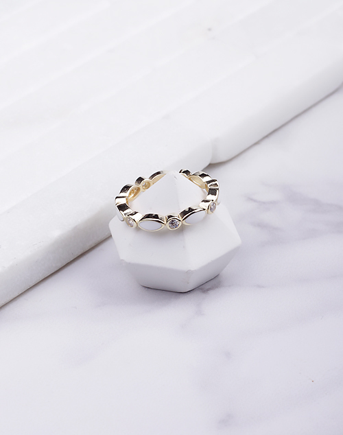 Oval Enamel Infinity Ring