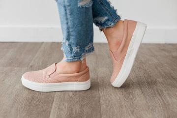Croft Textured Sneaker