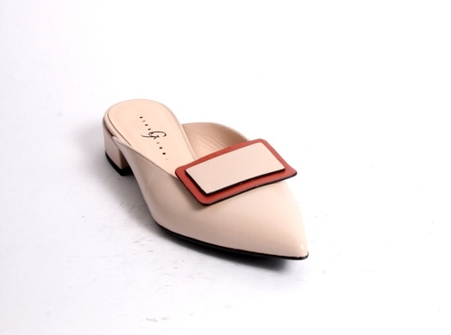 Beige / Peach Leather Pointed Toe Shoe Mules