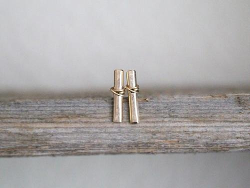Metal Bar Stud Gold Fill