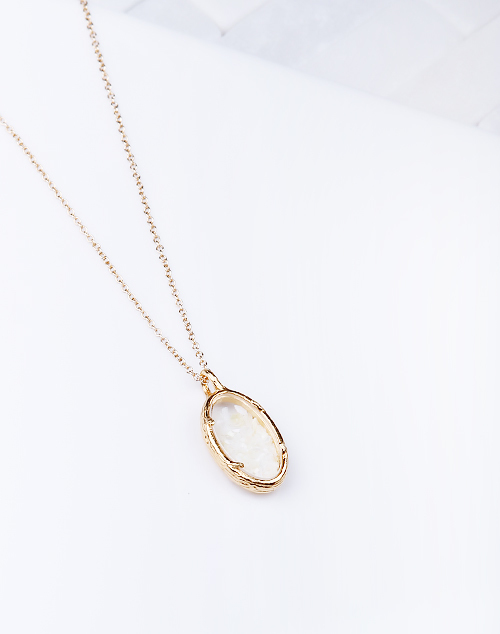 Pearl Oval Shaker Necklace
