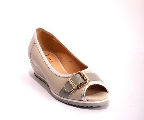 Grey / Silver Leather Peep-Toe Buckle Shoes