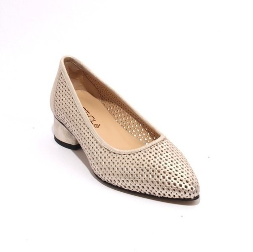Sparkling Gold Perforated Leather Pointy Pumps